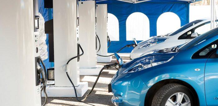 Comment recharger une voiture électrique,  où et pour quelle durée?