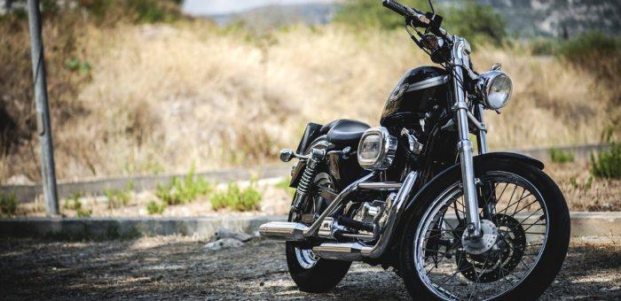 Deux-roues en ville : que choisir entre la moto et le scooter ?