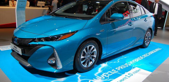 Le fonctionnement d'une voiture hybride et ses avantages